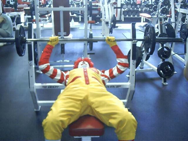 Най-забавните (нелепи) фитнес издънки (видео материал)